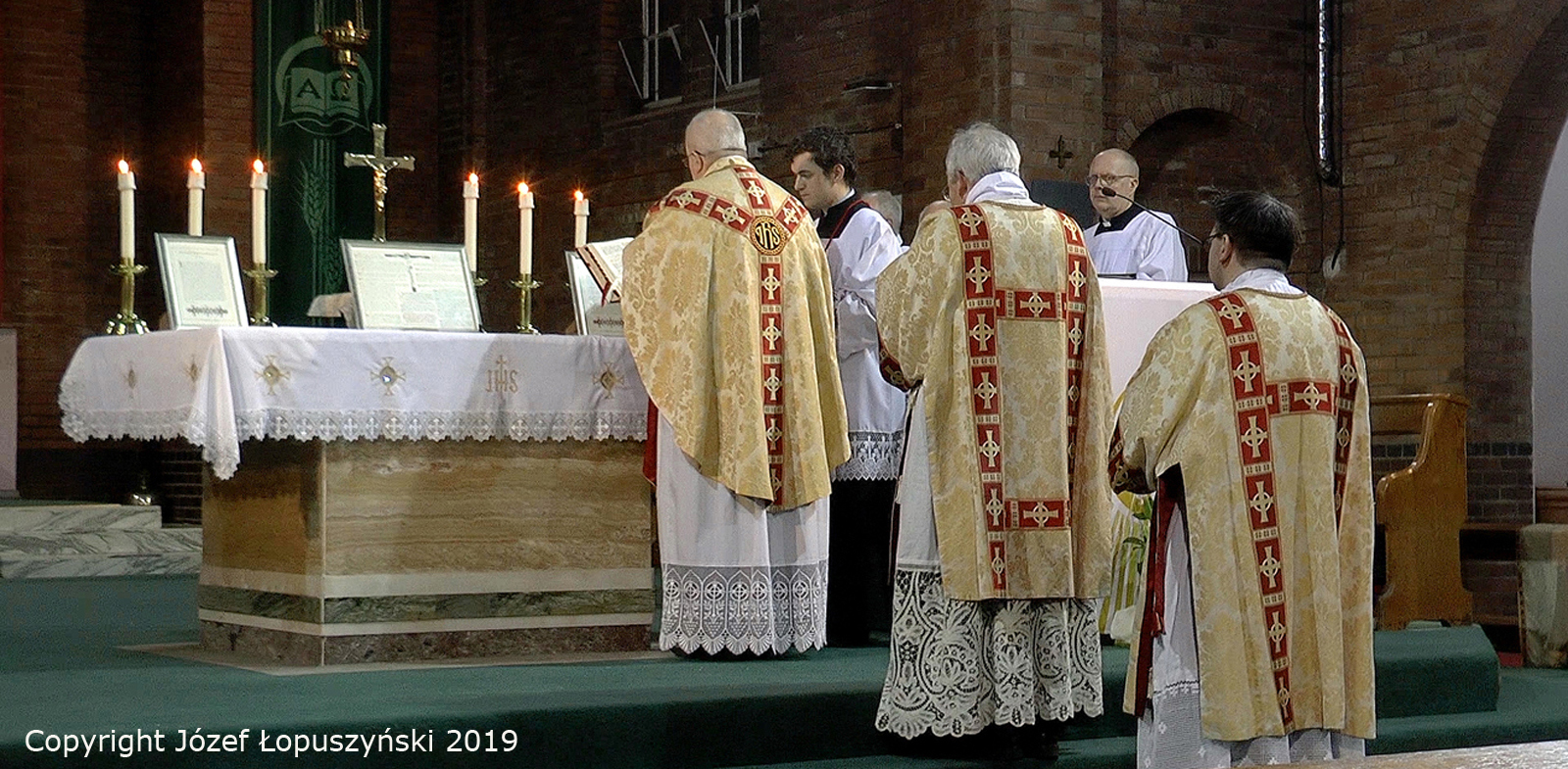 Wolverhampton High Mass for Chair of St Peter
