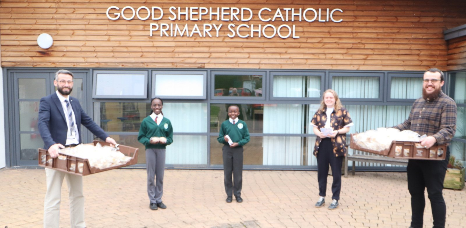 Thousands of children at Coventry school receive Maundy Thursday delivery